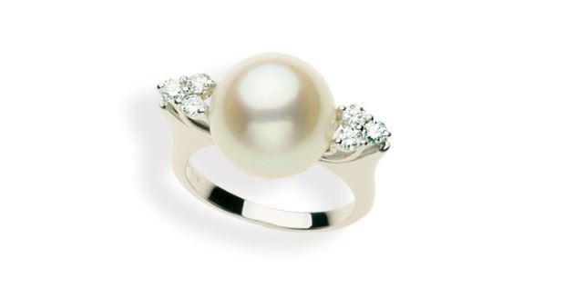 Anello con perla della collezione Mattia Mazza