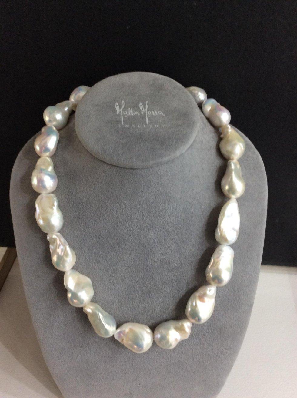 Collana in madre perla naturale