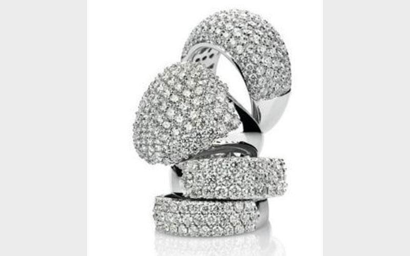 Collezione di anelli femminili