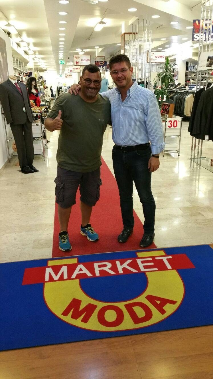 Sergio Friscia veste Market Moda