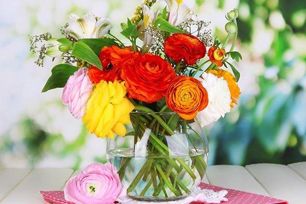 boquet di fiori in vaso