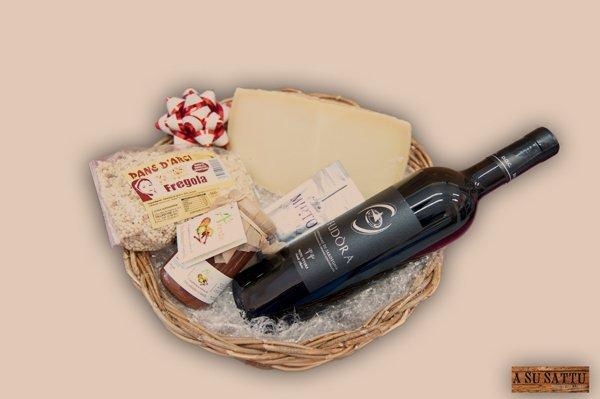 Bottiglia di vino di Fudòra col pane d'arci