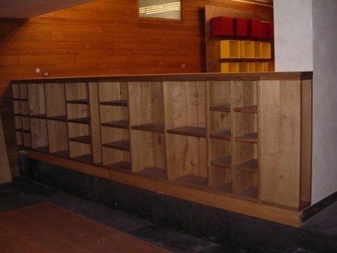 Porta di legno arrotondata