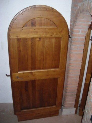 Tetto decorato con archi di legno