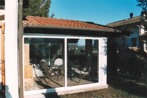 Veranda con porte in vetro