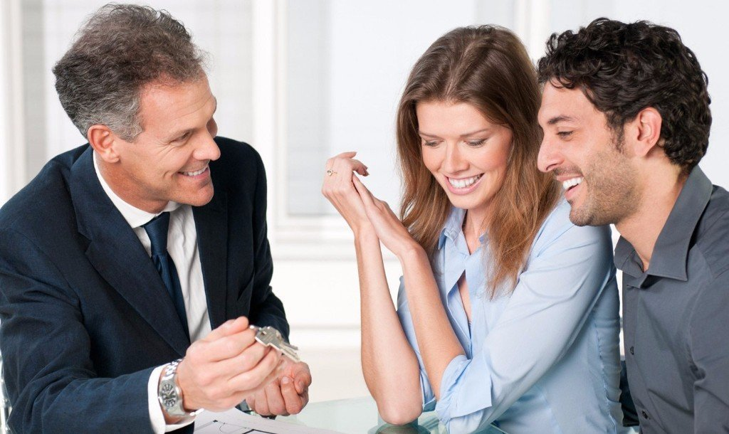 3 people talking