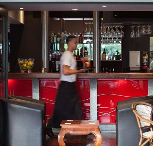 bar and bar tender