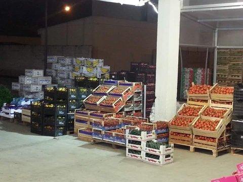 vendita  frutta e verdura ingrosso