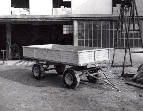 rimorchio trattore