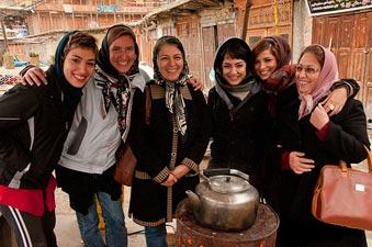 tourisin iran , iranian girls with tourist