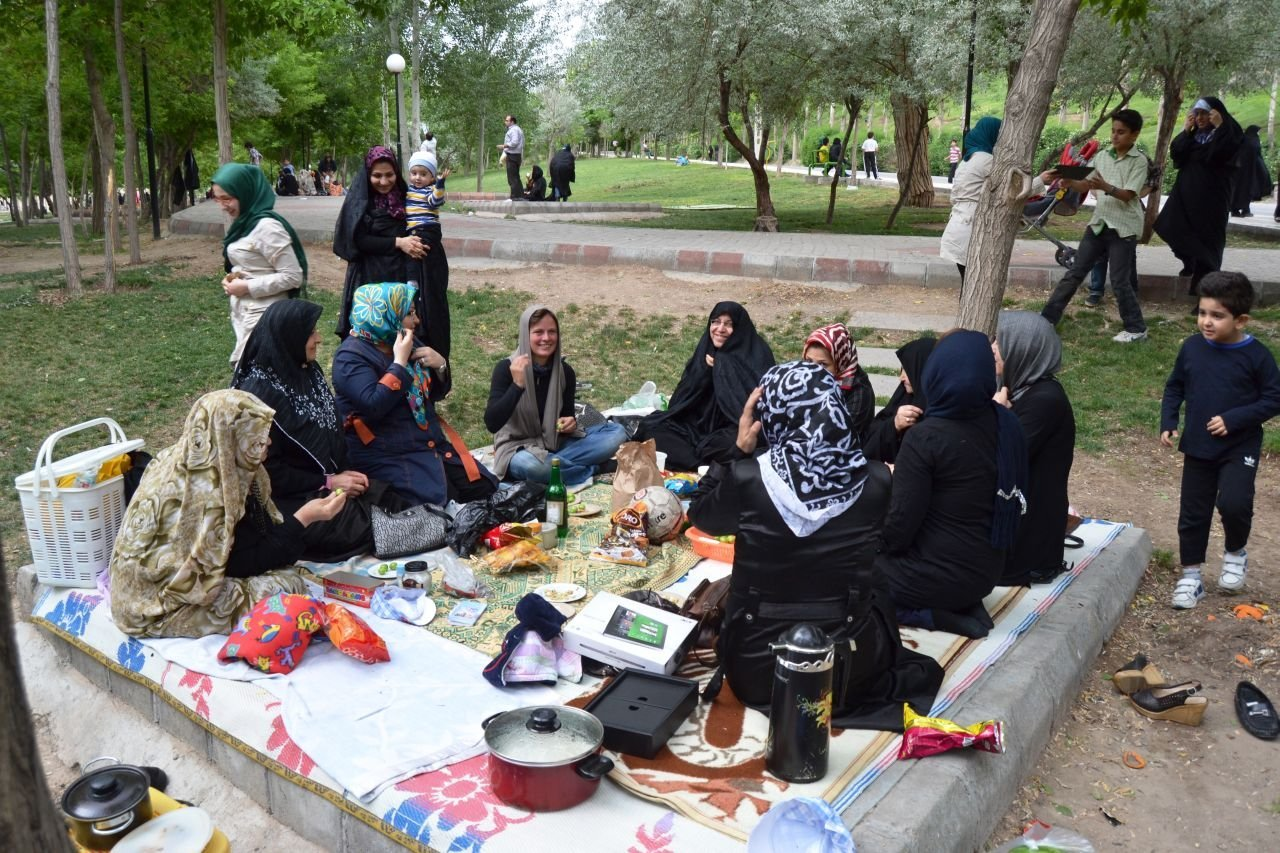 iranian culture , iranian picnic , nature day in iran , sizdah bedar