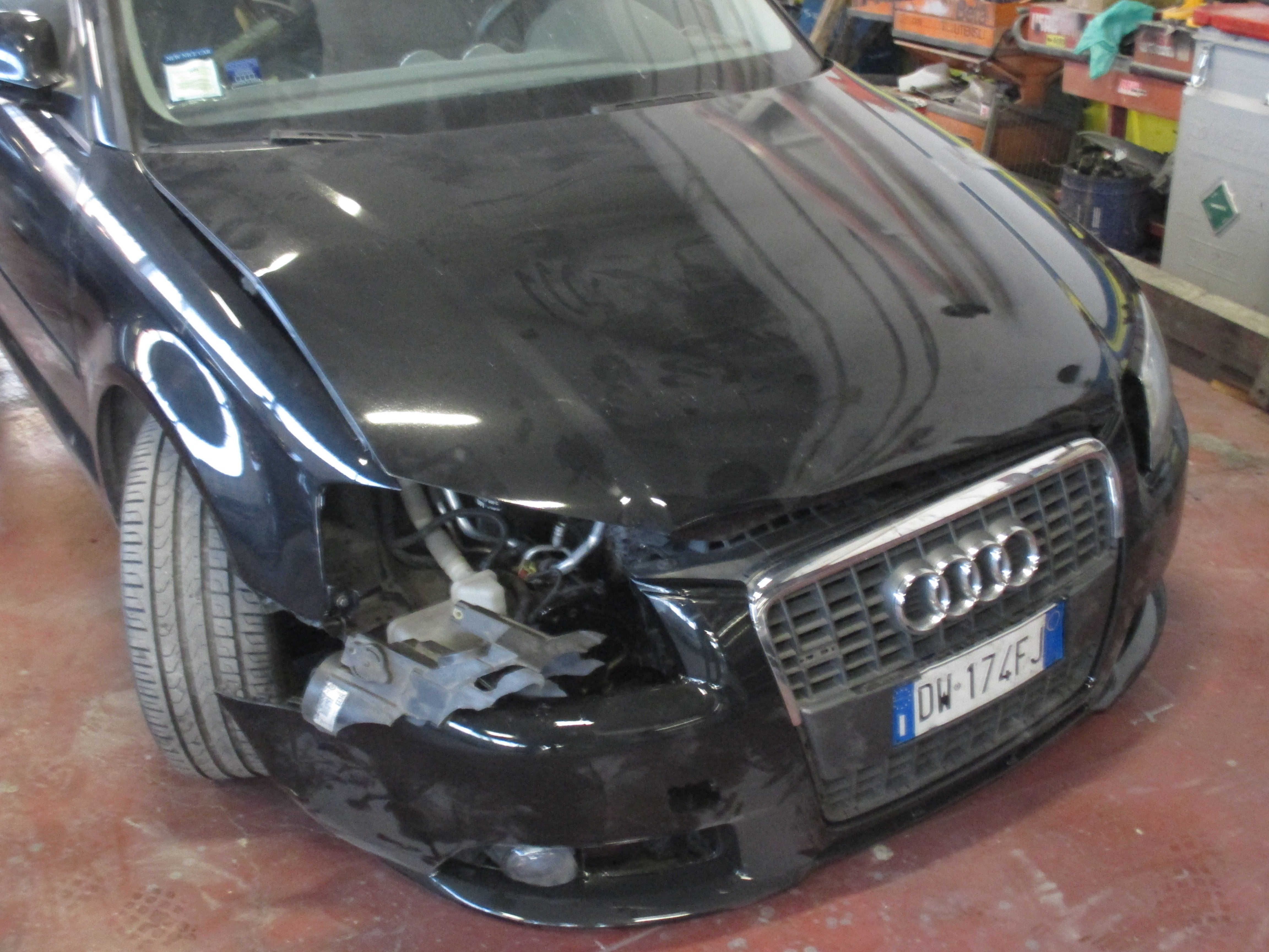 Auto incidentata prima della riparazione