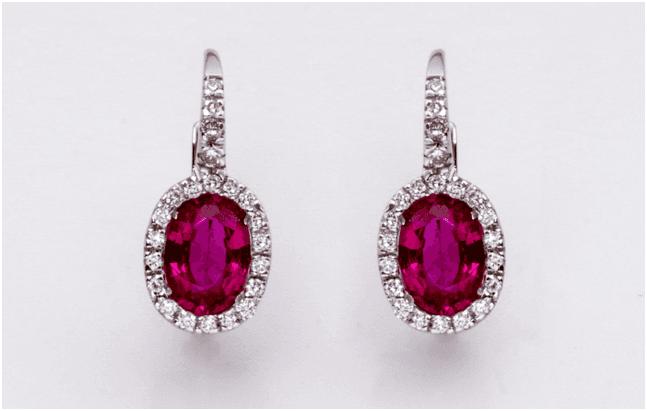 Orecchini in oro bianco con rubini e diamanti taglio brillante
