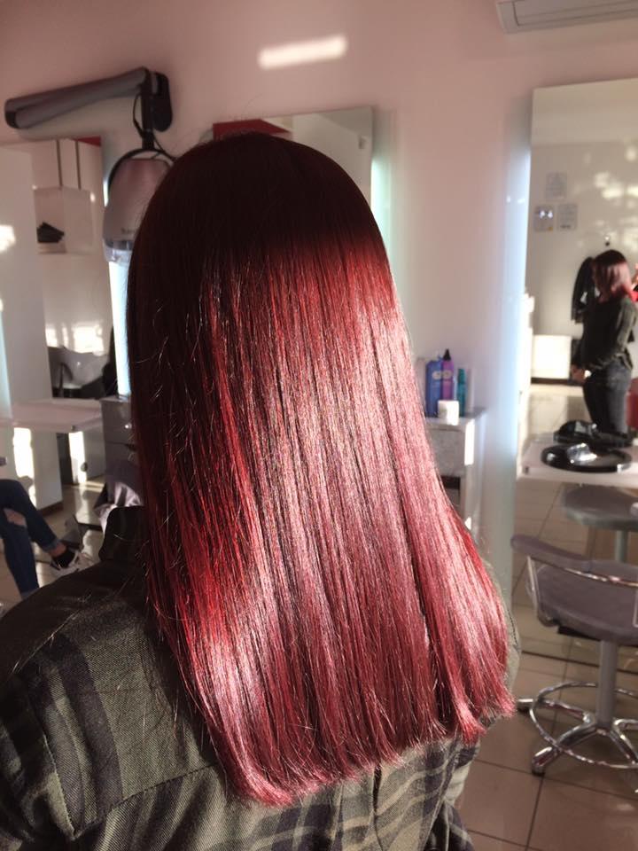capelli lisci e rossi