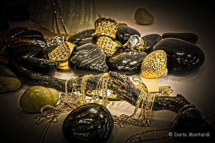 fornitura collanine in oro