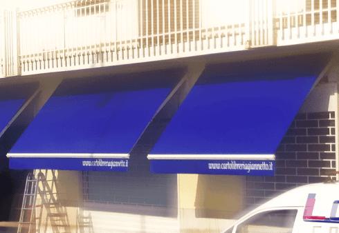 tende da sole; pvc; blu; scritta; mantovana; ombra; impermeabile;