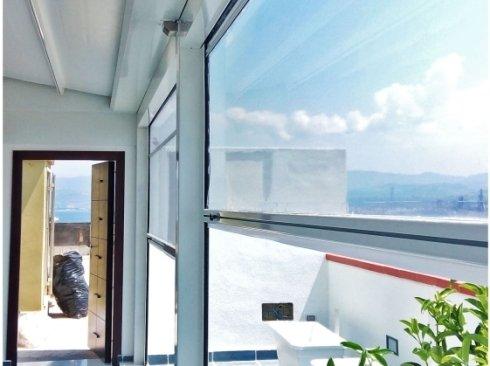 tenda a rullo; tenda steccata; cristal; trasparente; struttura; bianco; ombra; impermeabile