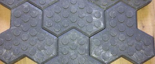 pavimentazioni in materiale plastico