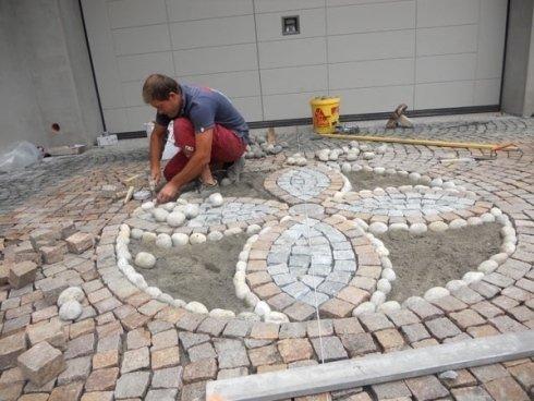 Realizzazione nuova pavimentazione esterna in pietre naturali - porfido e luserna