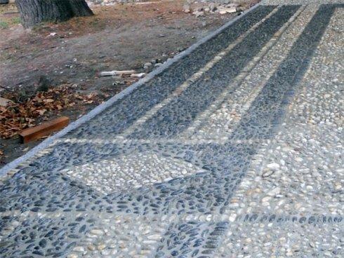 Posa pavimentazione in pietre naturali: ciotoli