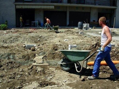 Realizzazione di nuova pavimentazione esterna in massello autobloccante antichizzato