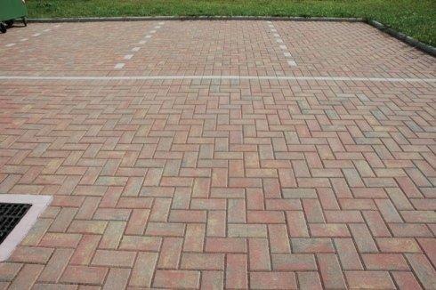 Pavimentazione con autobloccante in CLS
