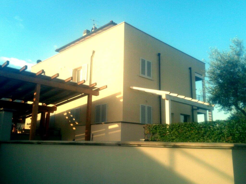 costruzione bioedilizia parete della casa