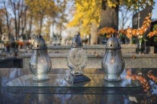 Tre lanterne di vetro lavorato