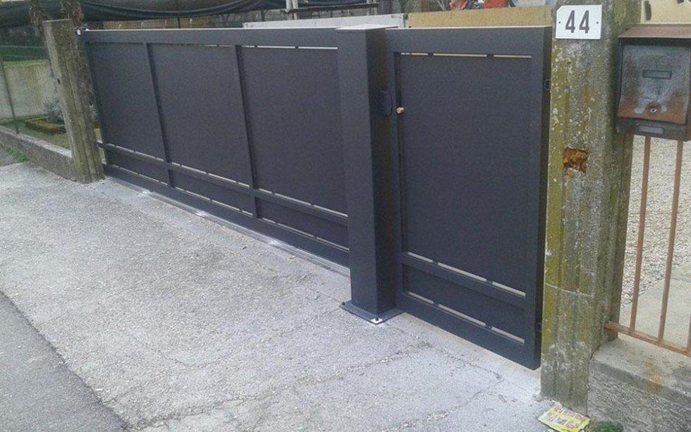 cancello moderno in ferro battuto pordenone