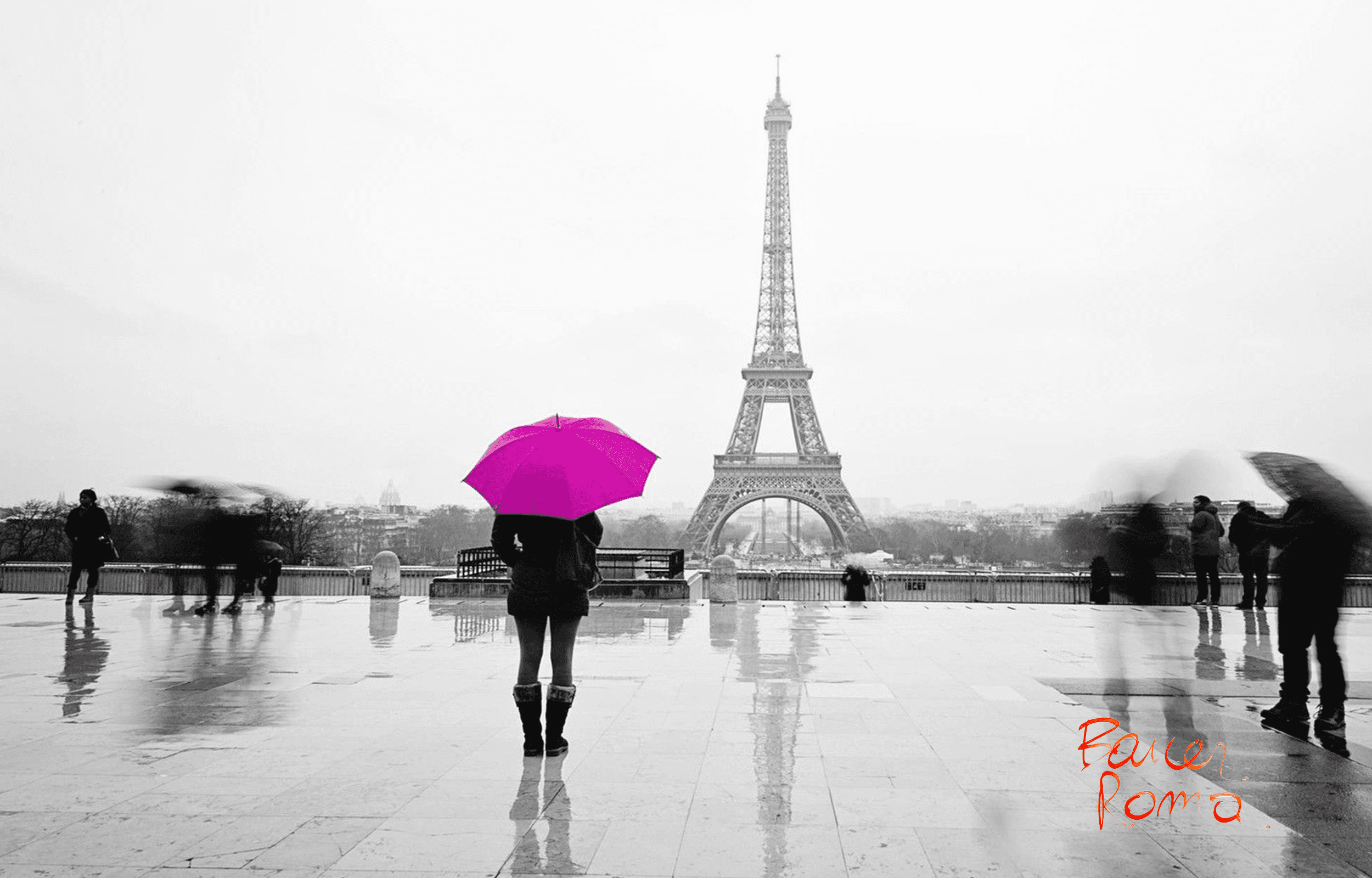 ragazza di spalle con ombrello metre guarda torre Eiffel sul in lontananza