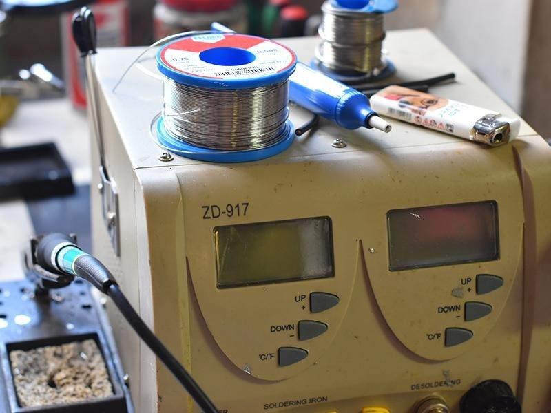 macchina per riparare batterie