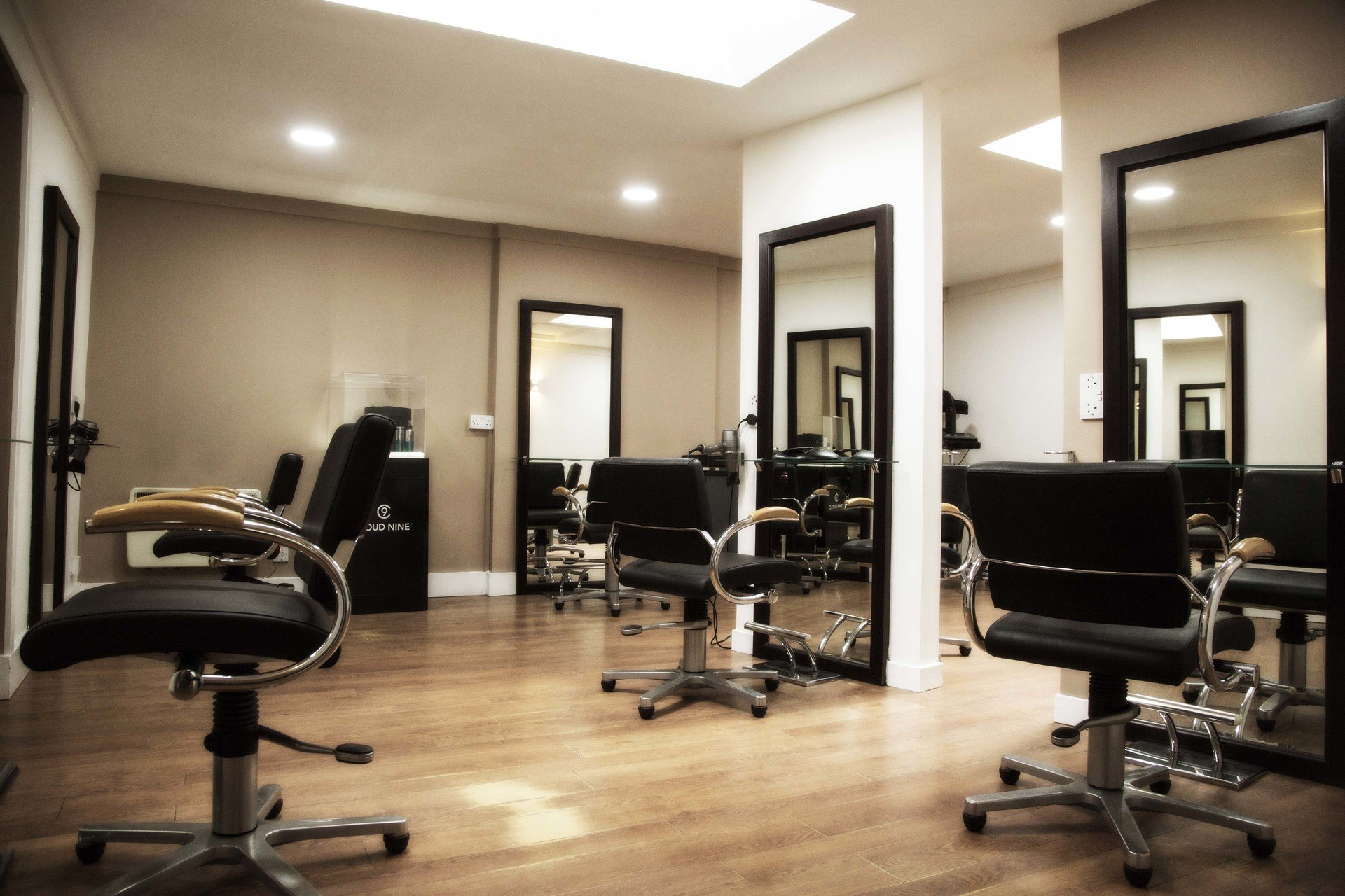 spacious salon