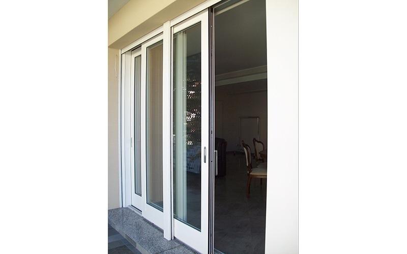 Porta finestra scorrevole in alluminio