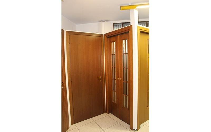 Esposizione porte in legno