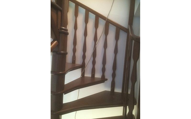 Scala Da Esterno In Legno : Scale in legno solaro milano varese saronno