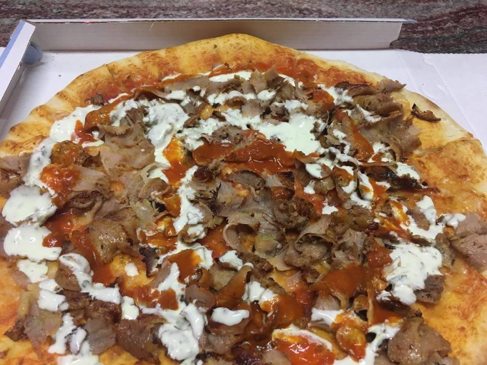 Una pizza kebab