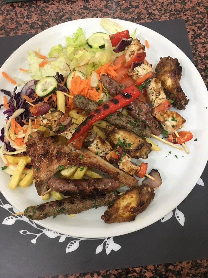 Grigliata di carne mista con verdure