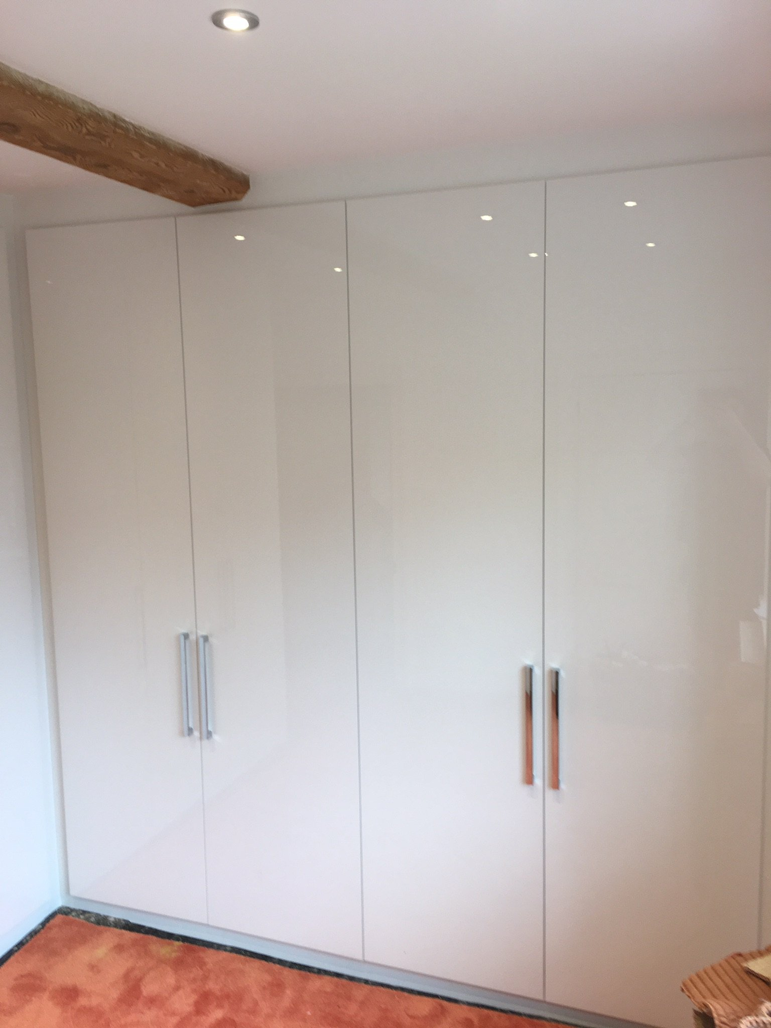 White Gloss Bedroom Furniture: New Fitted Wardrobes