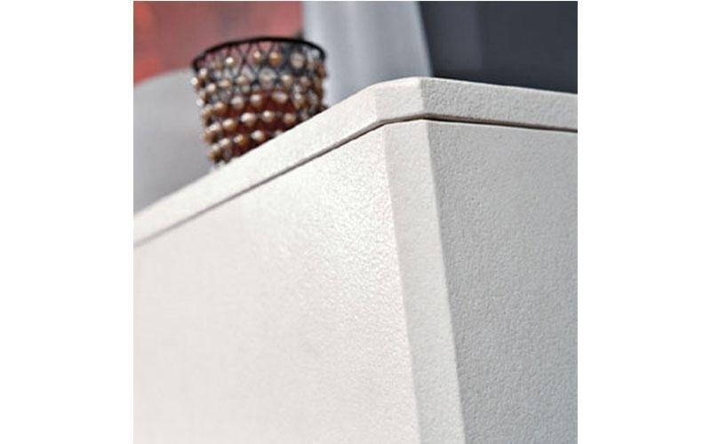 caminetto moderno acceso dettaglio