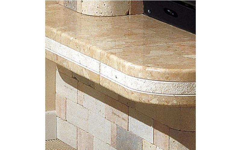caminetti tradizionali ripiano marmo
