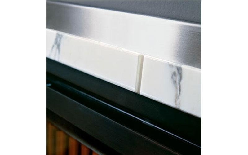 caminetto moderno marmo dettaglio