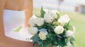 oggettistica regalo, addobbi cerimonie, allestimenti floreali auto