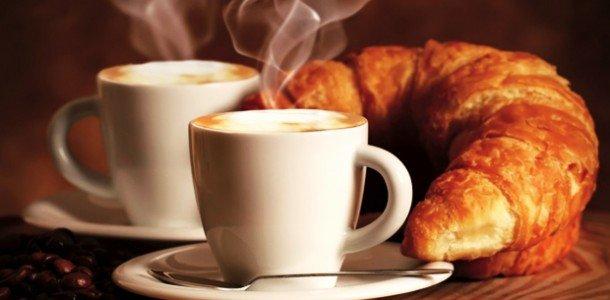 LA BELLA VITA cappuccino e caffè a colazione