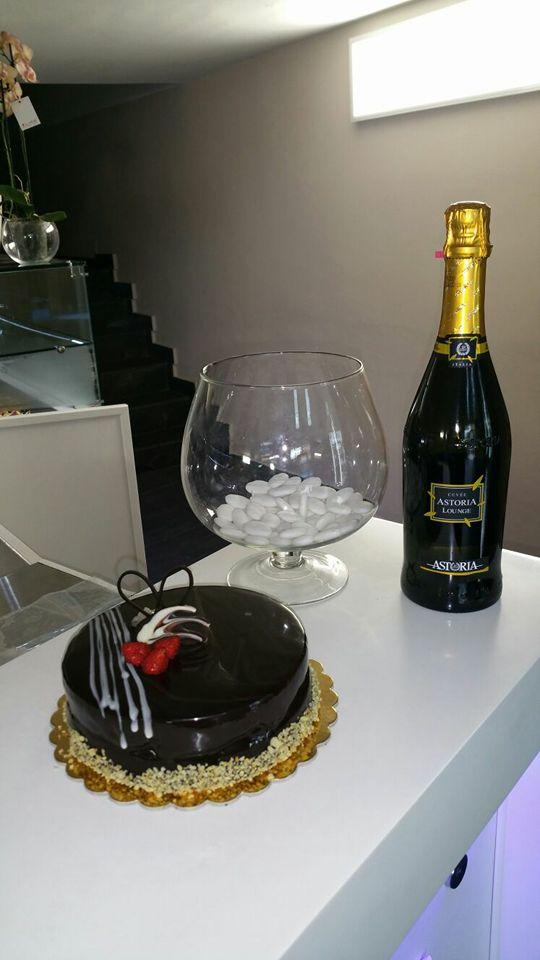 LA BELLA VITA champagne e torta al cioccolato