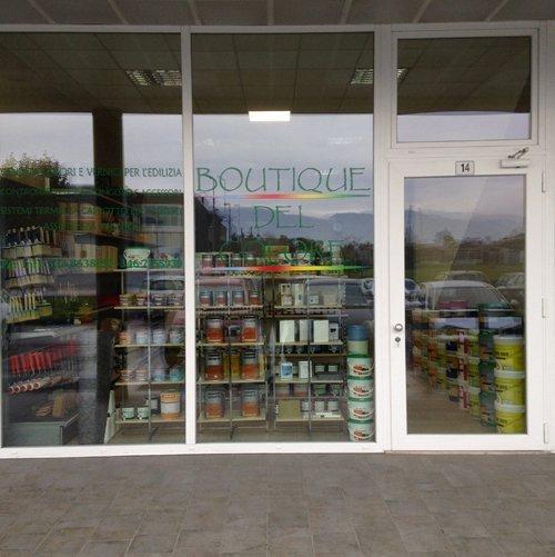 Vista frontale del negozio Errebi srl a Cassola
