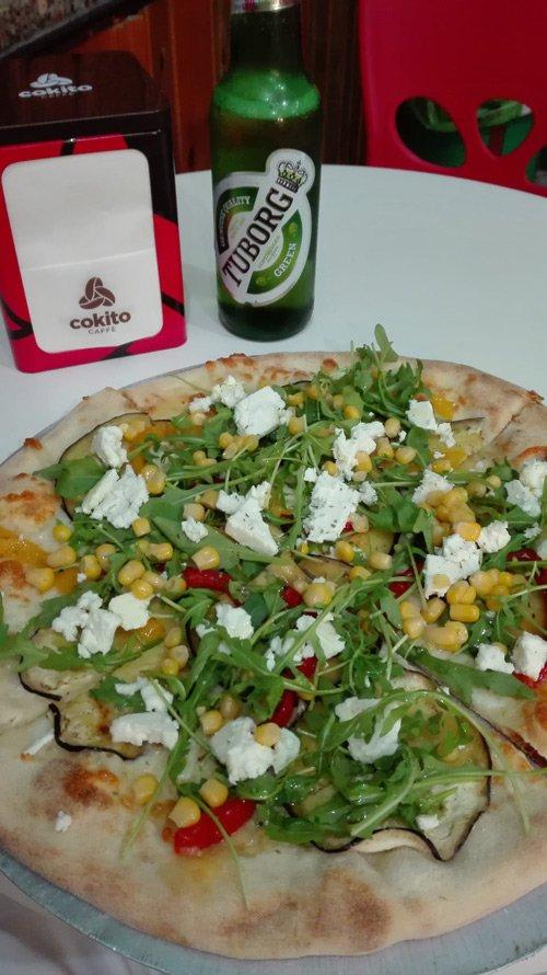 pizza pomodorini mozzarella e rucola