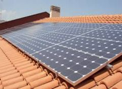 pannelli solari su un tetto