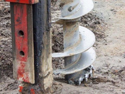 Trivellazione e scavo di pozzi