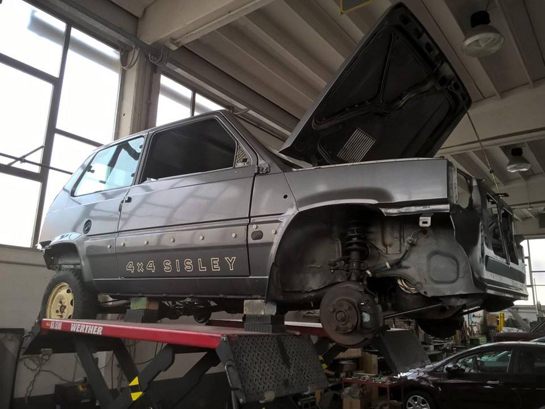 Fiat Panda 4X4 in riparazione
