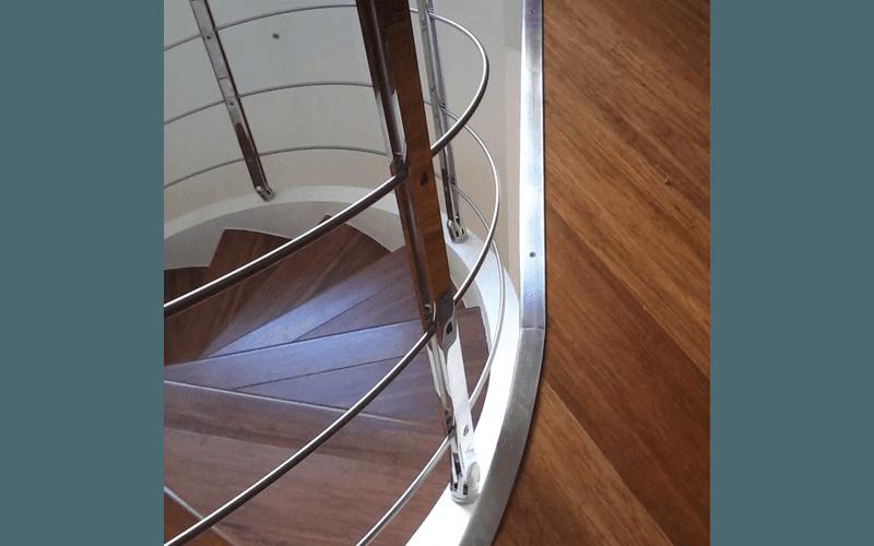 ringhiera per scala elicoidale